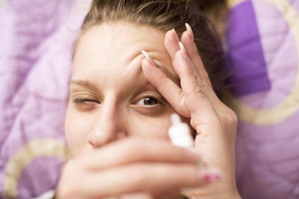¿Cómo solucionar el ojo seco?