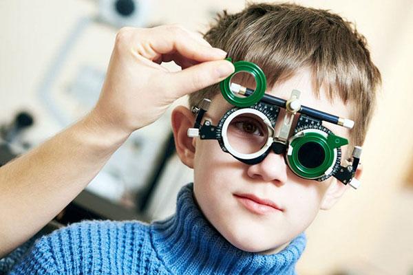 Qué es el astigmatismo y cómo se corrige